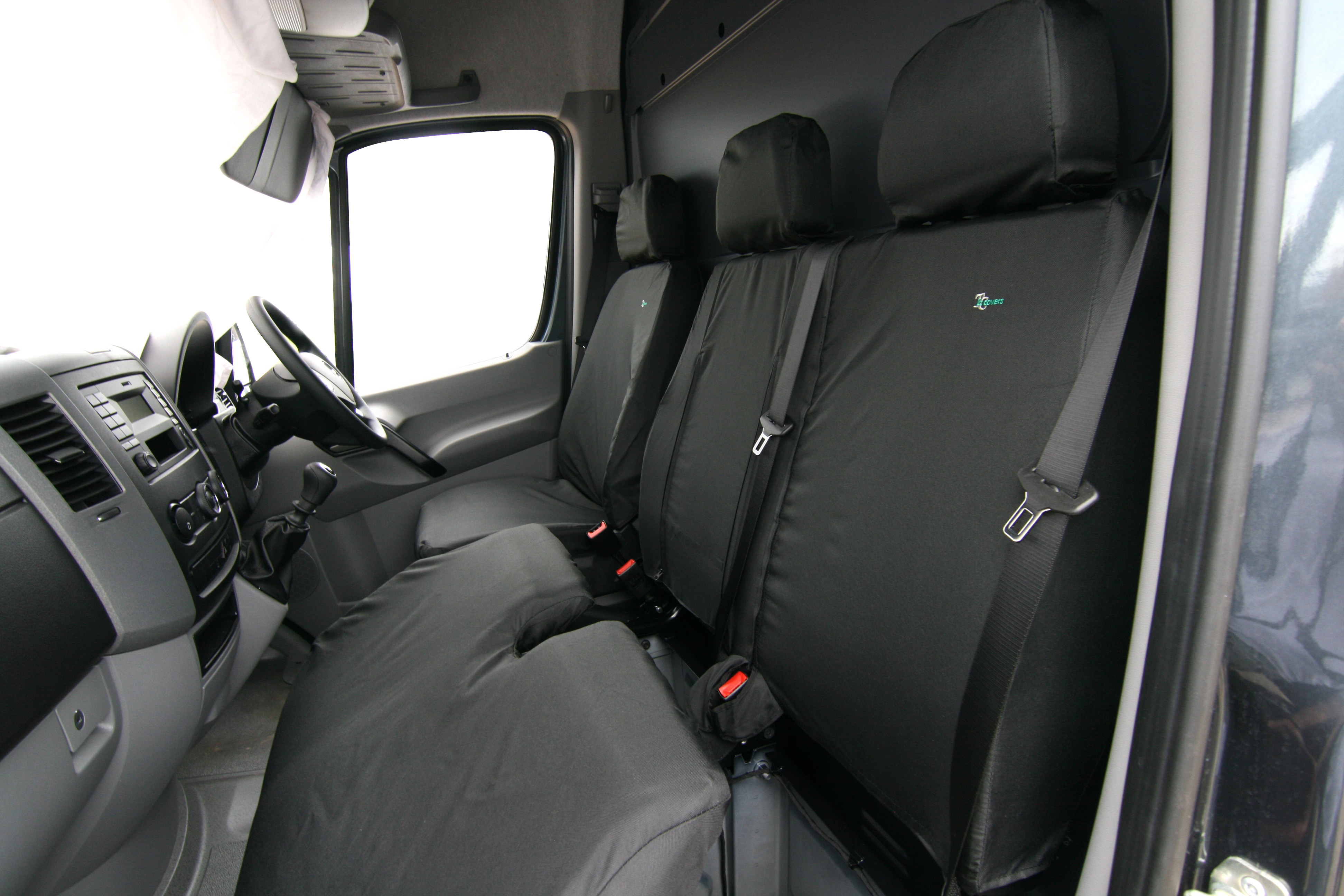 Iveco Daily 2014 Tailored /& Waterproof Black Front Single /& Double Seat Covers